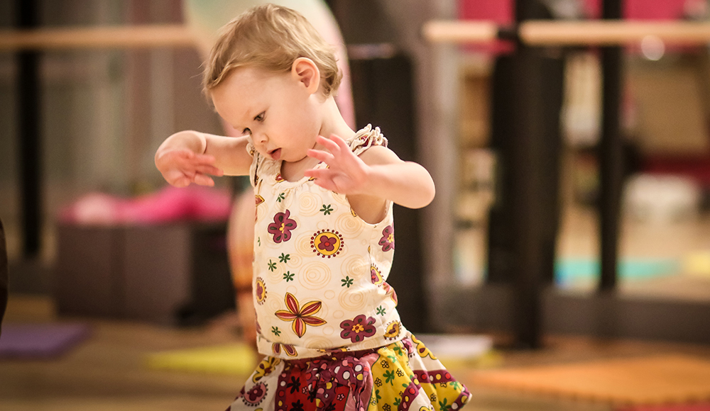 baby-mommy-dance-classes-salsa-with-silvia